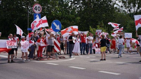 Белорусы продолжают блокировать границу и транзит грузов через РБ