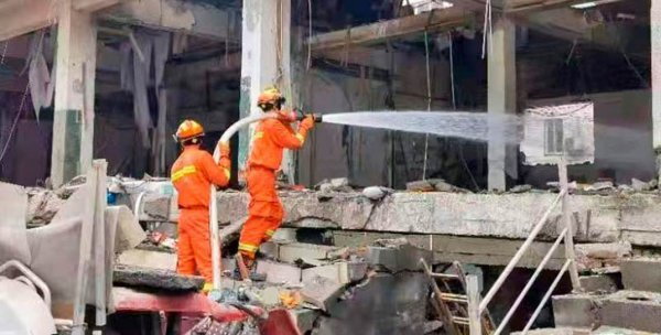 Более 100 человек пострадало от мощного взрыва в китайском Шияне