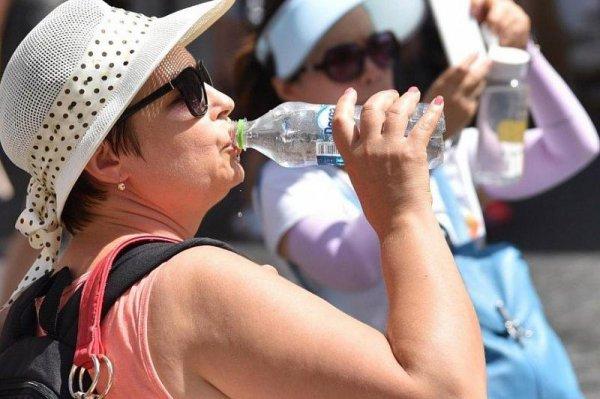 Медики рассказали, как спастись от экстремальной жары