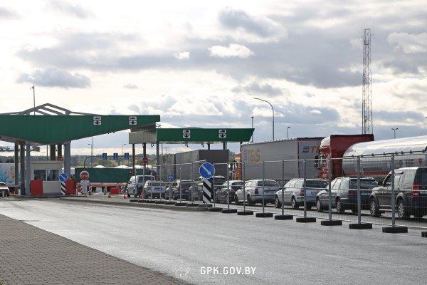 Свыше тысячи фур скопились на границах Беларуси со странами Евросоюза