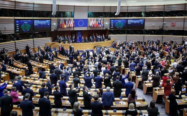 25 июня Евросоюз намерен утвердить запрет на операции с белорусскими ценными бумагами