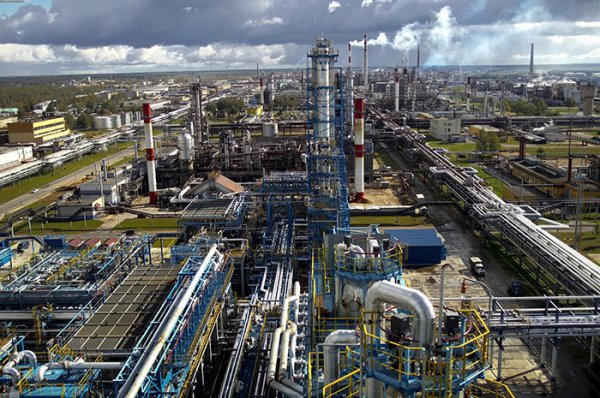 Интерфакс: Россия не будет поставлять нефть на Новополоцкий НПЗ
