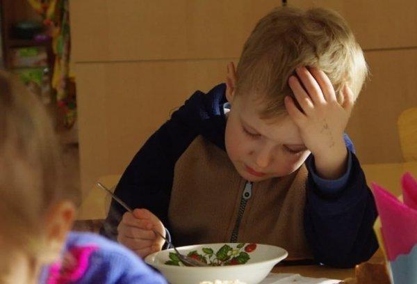 В детских садах и школах снова дорожает питание