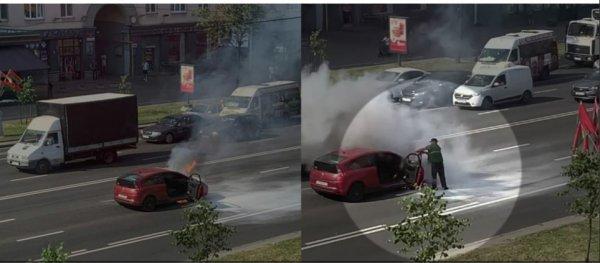 Утром 25 июня на столичном проспекте Независимости загорелся Citroen