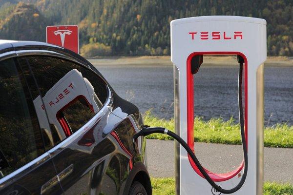 Корпорация Panasonic продала свою долю в Tesla