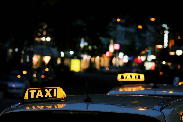 В Кобрине двое россиян напали на женщину-таксиста