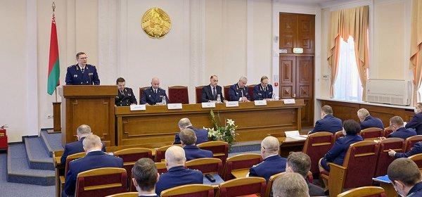 Генпрокуратура Беларуси намерена допросить экс-президента Литвы Адамкуса