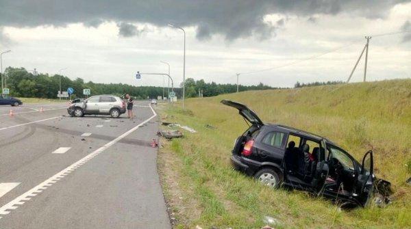В ДТП на трассе Минск-Гродно пострадало три человека