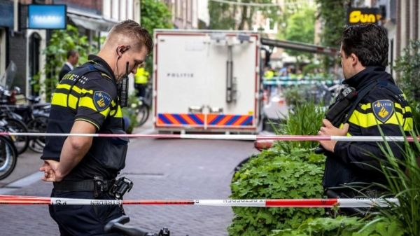 В центре Амстердама совершено покушение на известного журналиста