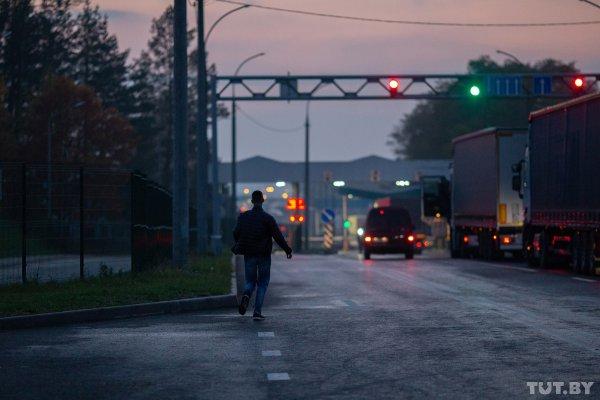 Отменять ограничения на выезд из Беларуси власти не планируют
