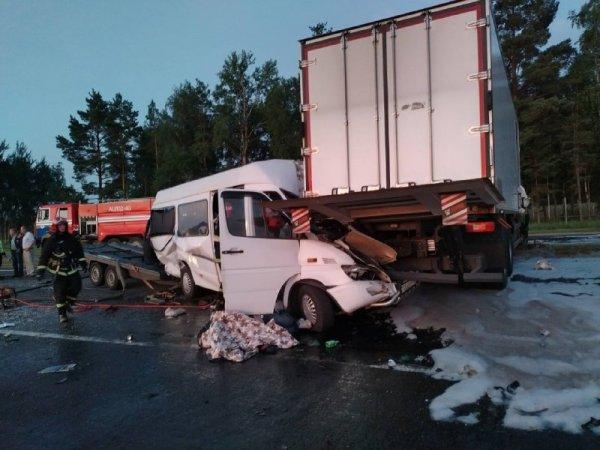 На трассе М5 под Осиповичами произошла серьёзная авария, есть погибшие