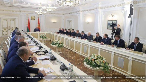 Лукашенко запретил транзит немецких товаров в Россию и Китай через Беларусь
