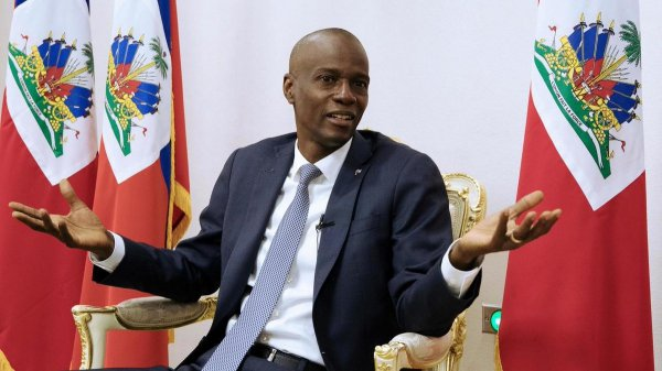 В Гаити в собственной резиденции неизвестными убит президент страны