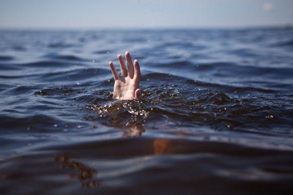 В Рогачёве в Днепре утонул 30-летний мужчина, в том же месте, где недавно погиб 14-летний школьник