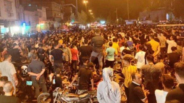 В Иране протесты из-за отсутствия воды длятся уже четвертые сутки