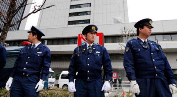 В аэропорт Токио прибыла полиция и волонтёры, они работают с Кристиной Тимановской
