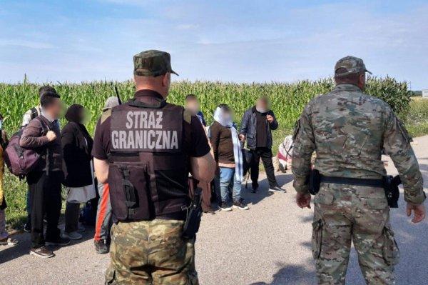Латвия будет возвращать нелегальных мигрантов с востока назад в Беларусь