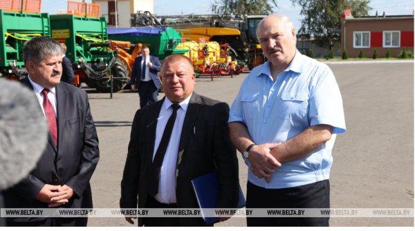 Александр Лукашенко с рабочей поездкой прибыл в Рогачёвский район