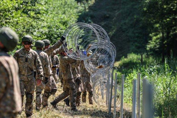 Литовские пограничники выдворили в Беларусь несколько десятков мигрантов