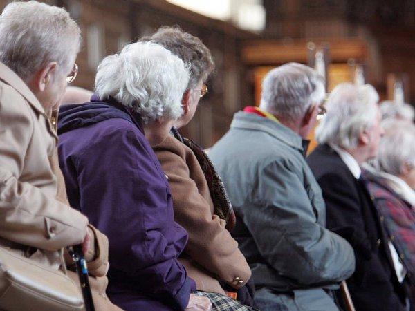 В Беларуси снова повышают пенсионный возраст и страховой стаж