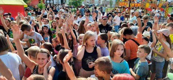 В Гомеле жители «Южного» самостоятельно организовали потрясающий праздник для детей