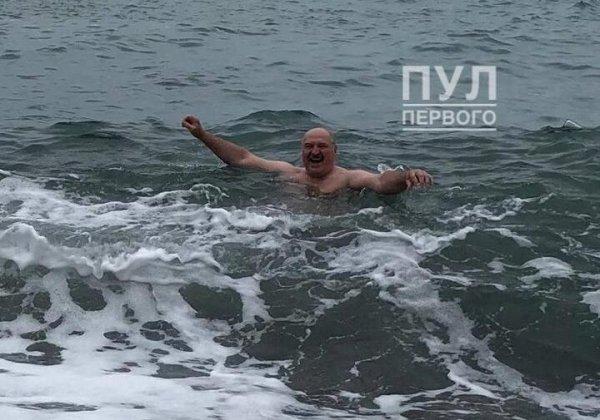 Лукашенко улетел в Сочи с частным визитом